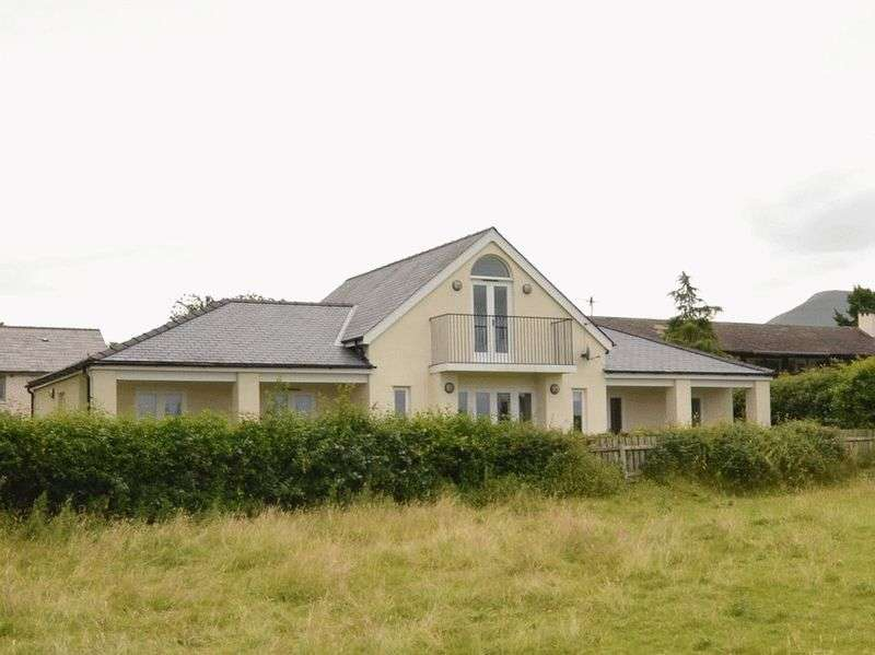 4 Bedrooms Detached Bungalow for sale in Llangorse, Brecon