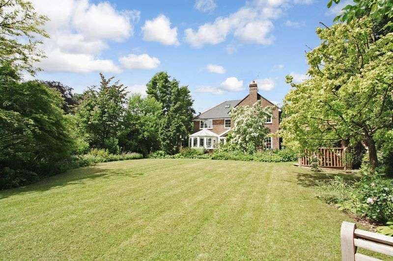 3 Bedrooms Detached House for sale in Vicarage Lane, Ropley