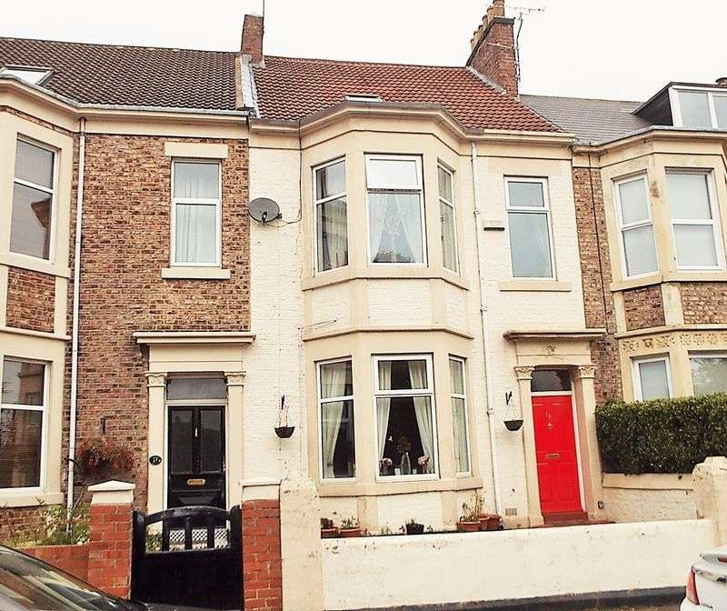 5 Bedrooms House for sale in Lovaine Place, North Shields
