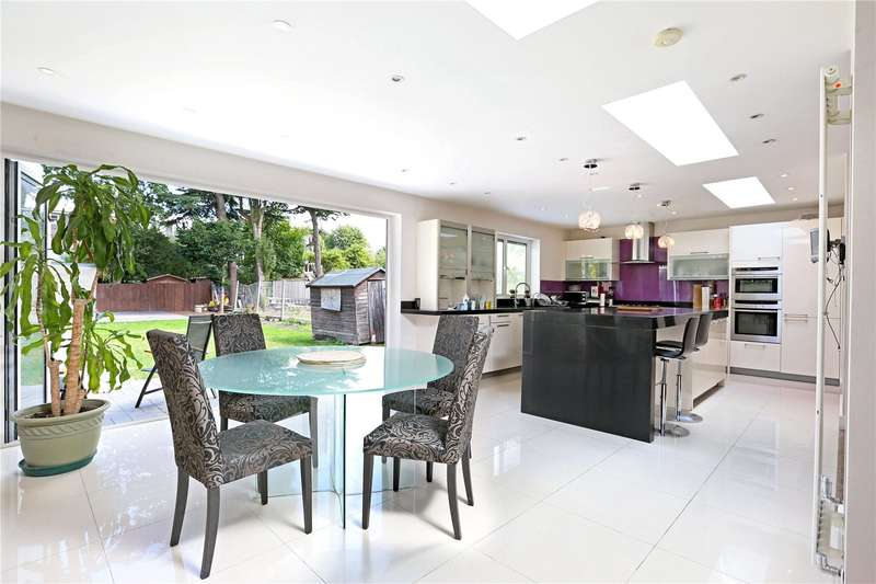 5 Bedrooms Detached House for sale in Old Oak Road, Acton, W3