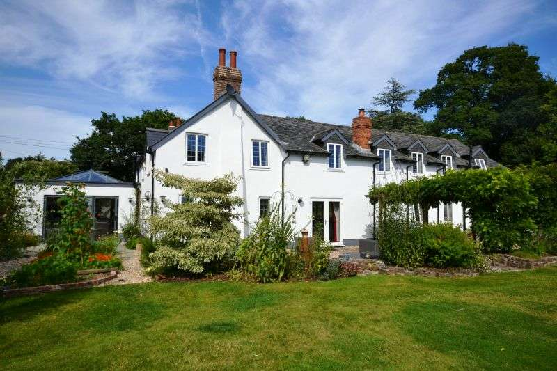 5 Bedrooms Detached House for sale in ROCKBEARE HILL, Nr WEST HILL