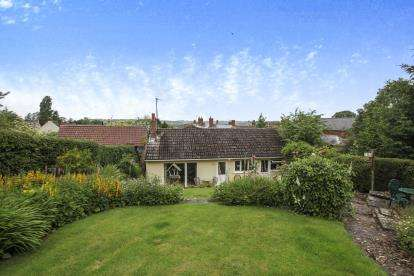 3 Bedrooms Bungalow for sale in Main Street, Middleton, Market Harborough