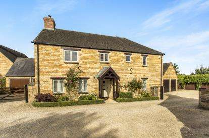 4 Bedrooms Detached House for sale in Barncroft, Long Compton, Shipston-On-Stour, Warwickshire