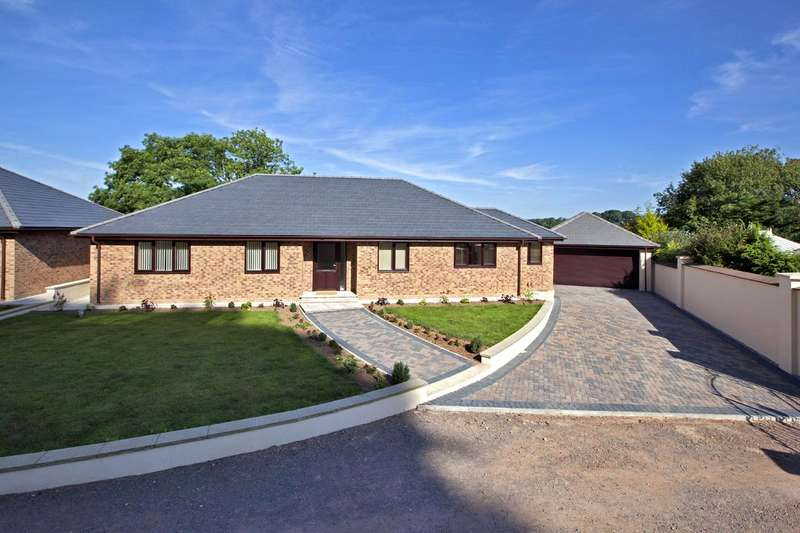 4 Bedrooms Detached Bungalow for sale in Ashleigh Park, Bampton, Tiverton