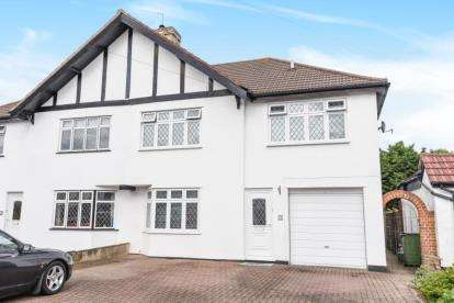 4 Bedrooms Semi Detached House for sale in Queensway, Petts Wood, Orpington