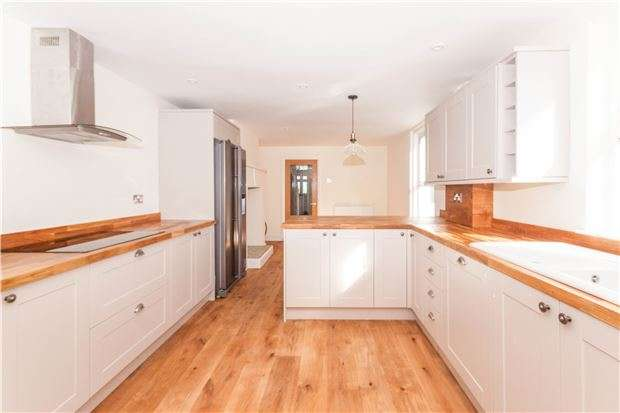 4 Bedrooms Semi Detached House for sale in Sedlescombe Road North, ST LEONARDS-ON-SEA, East Sussex, TN37 7EN