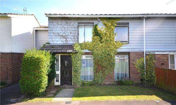 4 Bedrooms Terraced House for sale in 73 Warwick Road, Basingstoke, Hampshire, RG23 8DZ
