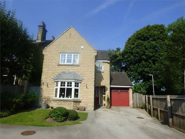 3 Bedrooms Detached House for sale in Fieldfare Drive, Bradford, West Yorkshire