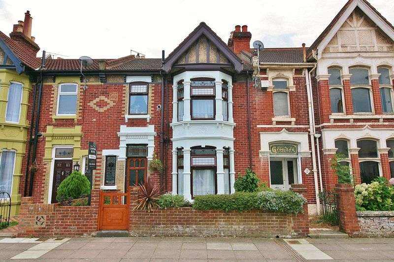 3 Bedrooms Terraced House for sale in Wadham Road, Portsmouth