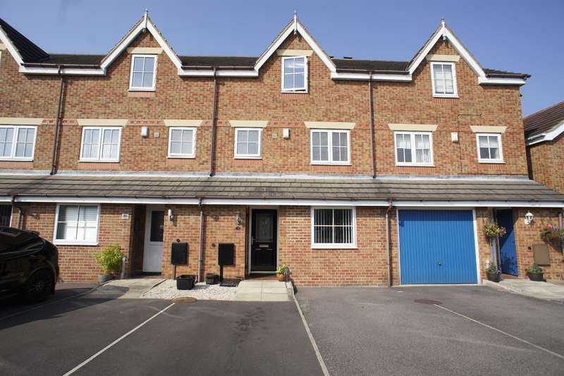 4 Bedrooms Terraced House for sale in *** OPEN VIEWING - SAT 24TH SEPTEMBER 2016 1.00 TO 2.00PM*** Stanier Way, Renishaw, Sheffield S21 3UU