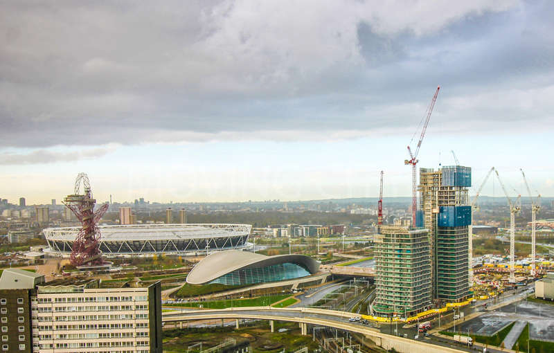 2 Bedrooms Flat for sale in Glasshouse Gardens, Cassia Point, Stratford City