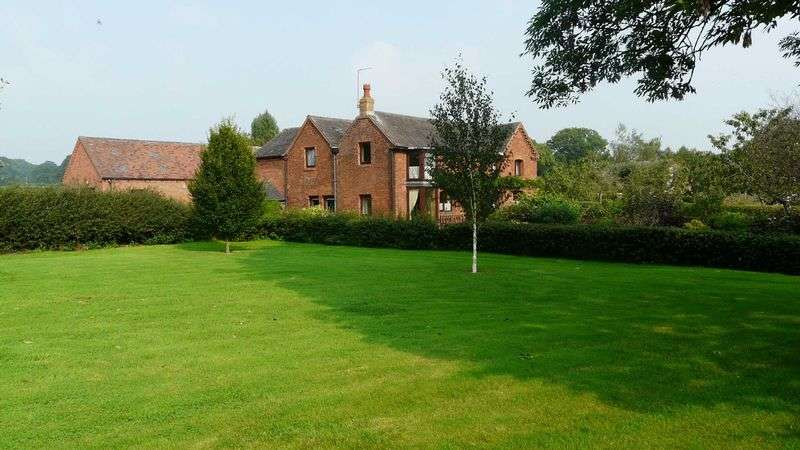 3 Bedrooms Detached House for sale in Bromley Wood, Abbots Bromley