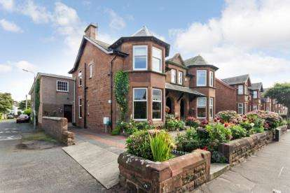 4 Bedrooms Semi Detached House for sale in Bentinck Drive, Troon