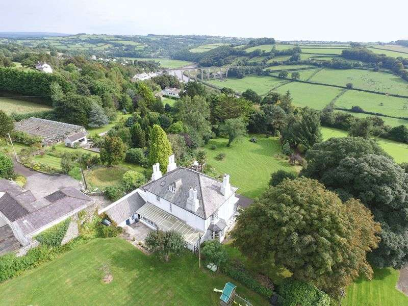 5 Bedrooms Detached House for sale in Calstock