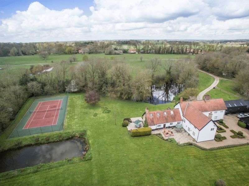 5 Bedrooms Detached House for sale in Fritton Common Nr Hempnall