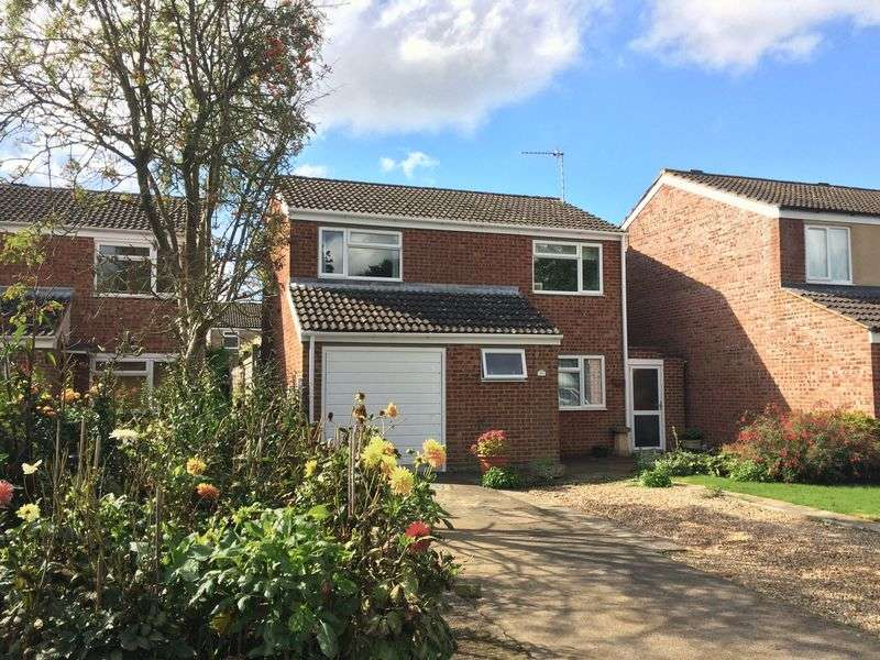4 Bedrooms Detached House for sale in Chatsworth Drive, Banbury