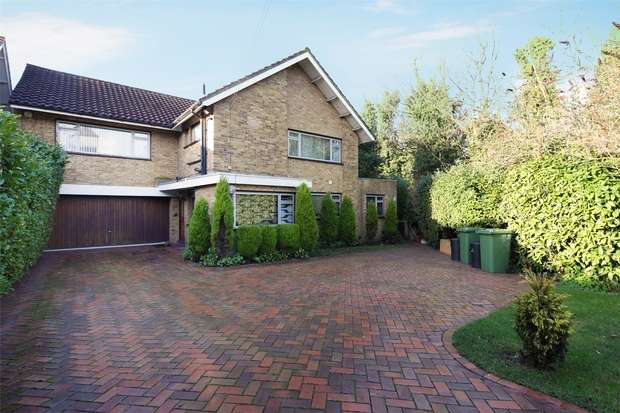 Detached house in  West Road  Ealing  W5  Richmond