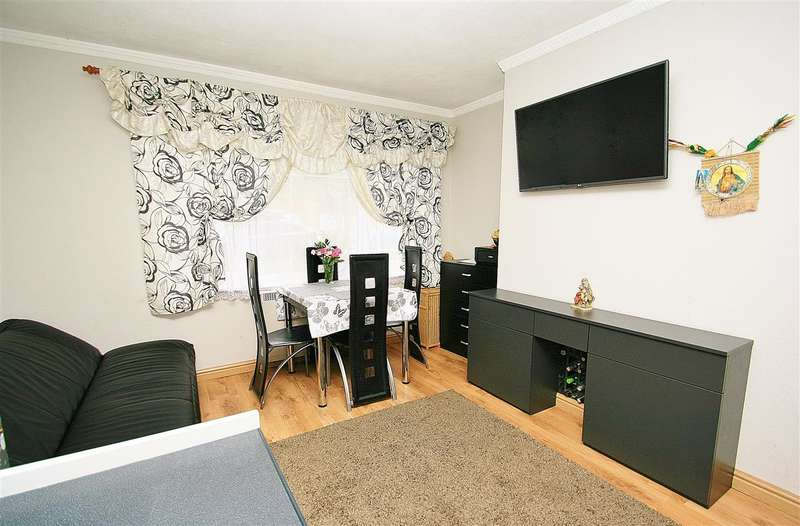 Flat in  Hudson Road  Harlington  UB3  Richmond