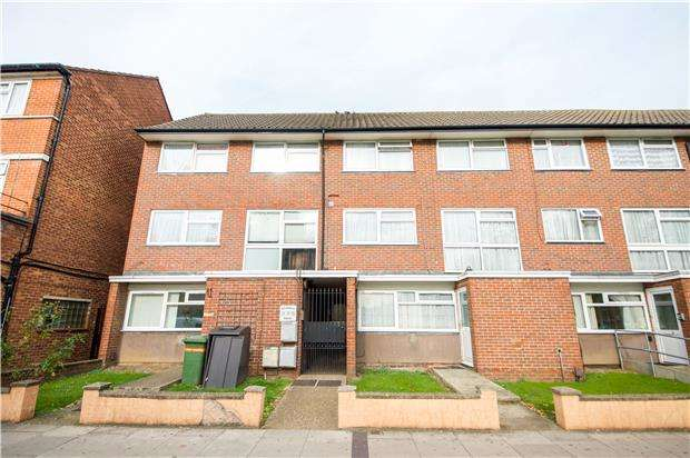 Flat in  Beverley Drive  Edgware  HA8  Richmond