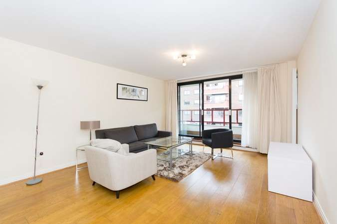 Flat in  Windsor Way  London  W14  Richmond