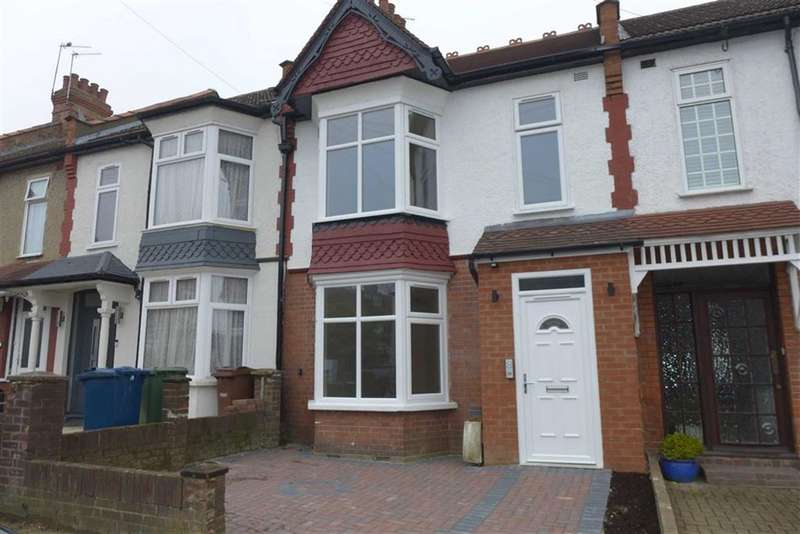 Flat in  Byron Road  Wealdstone  Harrow  Middlesex  HA3  Richmond