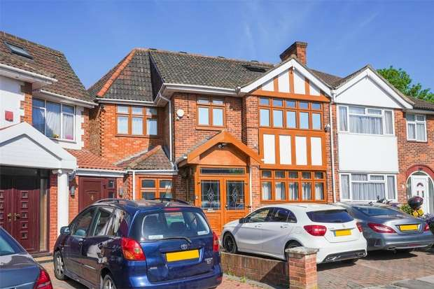 Detached house in  Gibbon Road  Acton  W3  Richmond