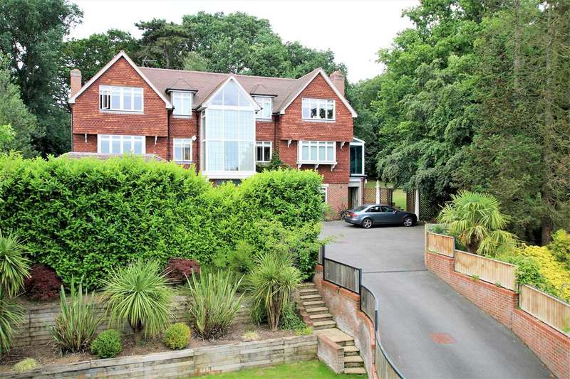 Detached house in  Southwood Avenue  Kingston Upon Thames  KT2  Richmond