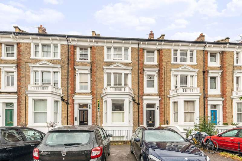 Flat in  The Barons  Twickenham  TW1  Richmond