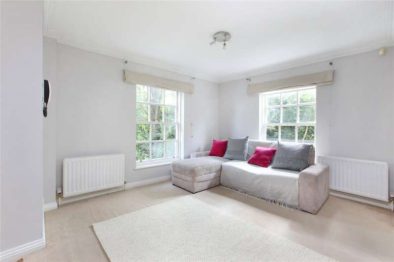 Flat in  Merton Road  London  SW18  Richmond