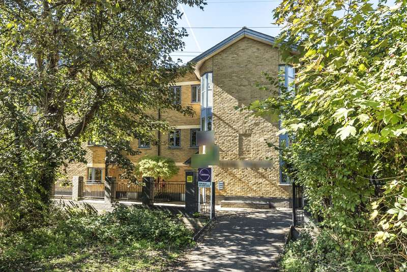 Flat in  Brangwyn Crescent  Colliers Wood  SW19  Richmond