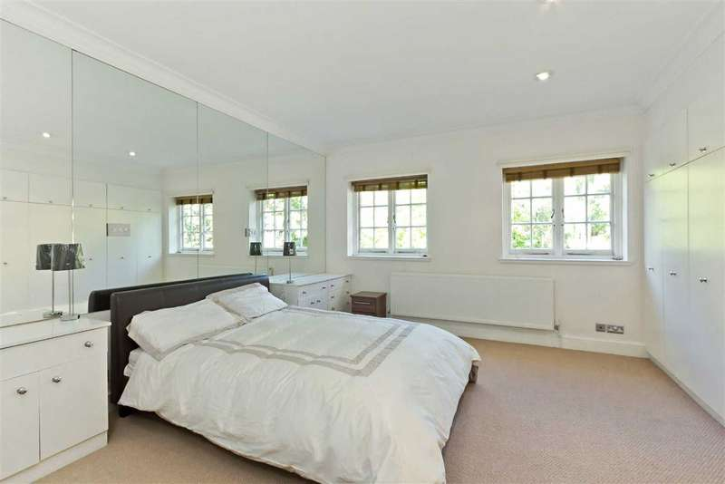 Flat in  Redington Road  London  NW3  Richmond