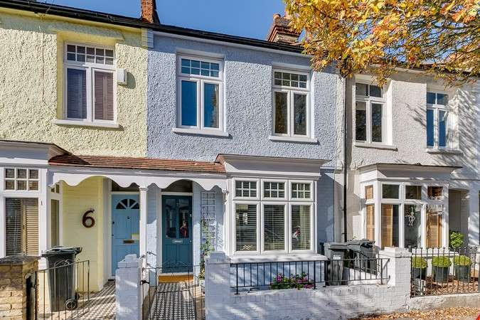 Terraced house in  Magnolia Road  Chiswick  W4  Richmond