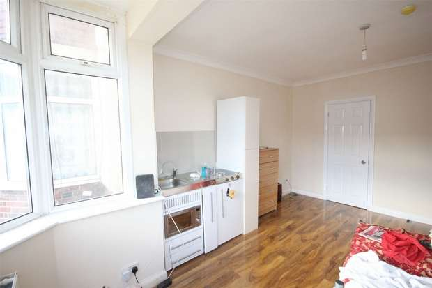 Flat in  Grasmere Avenue  Wembley  HA9  Richmond