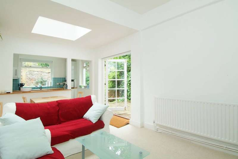 Flat in  Upham Park Road  Chiswick  W4  Richmond
