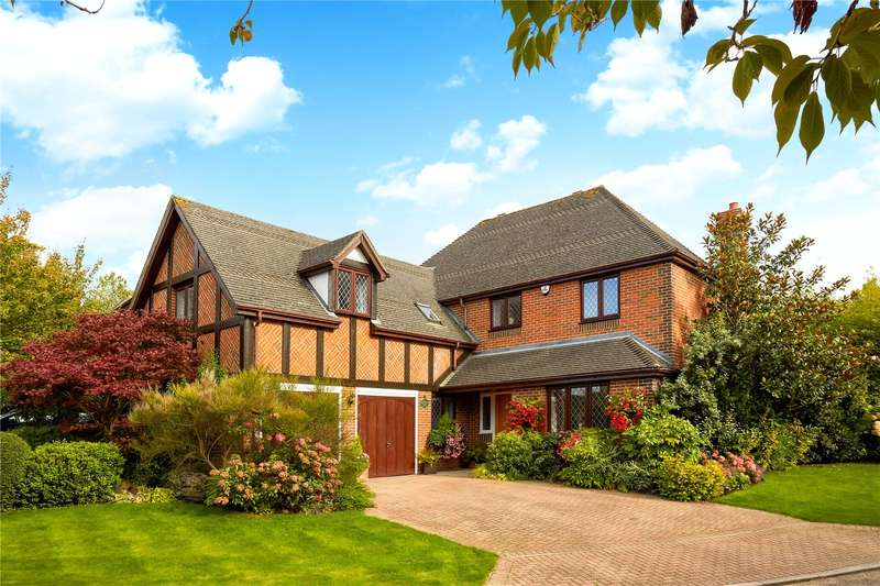 Detached house in  Cuddington Park Close  Banstead  Surrey  SM7  Richmond