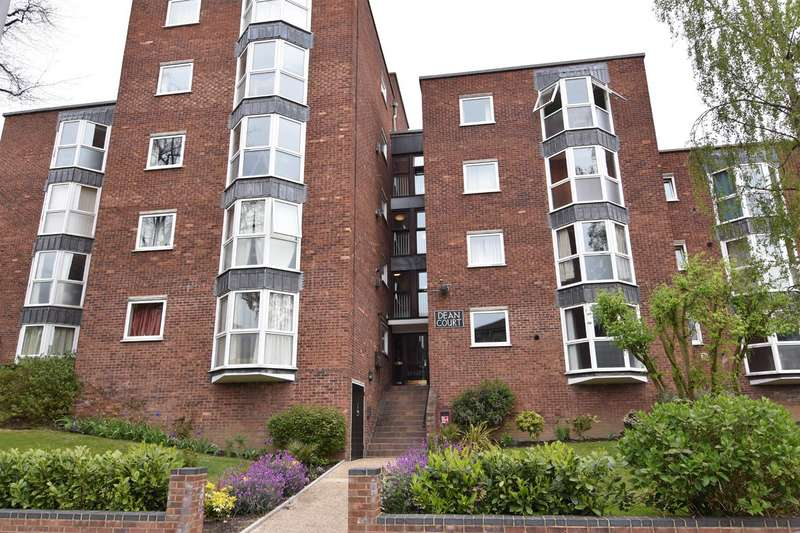 Flat in  Queens Road  Kingston Upon Thames  KT2  Richmond