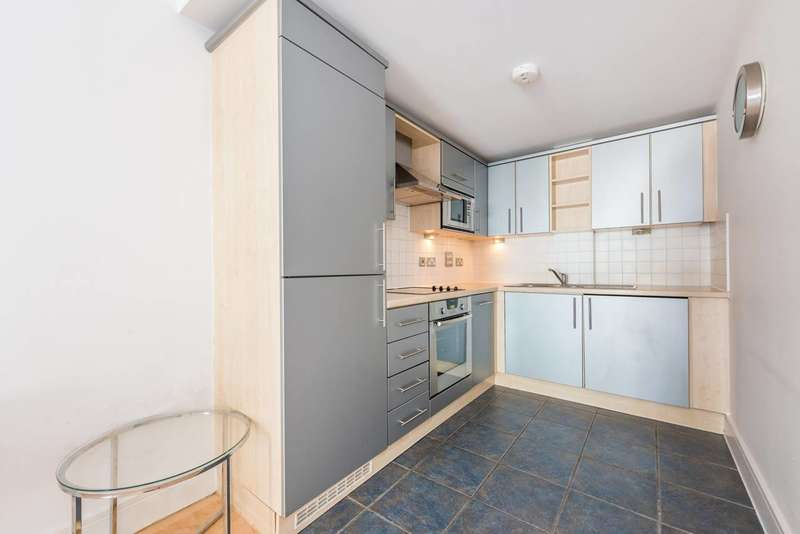Flat in  Chiswick High Road  Chiswick  W4  Chiswick