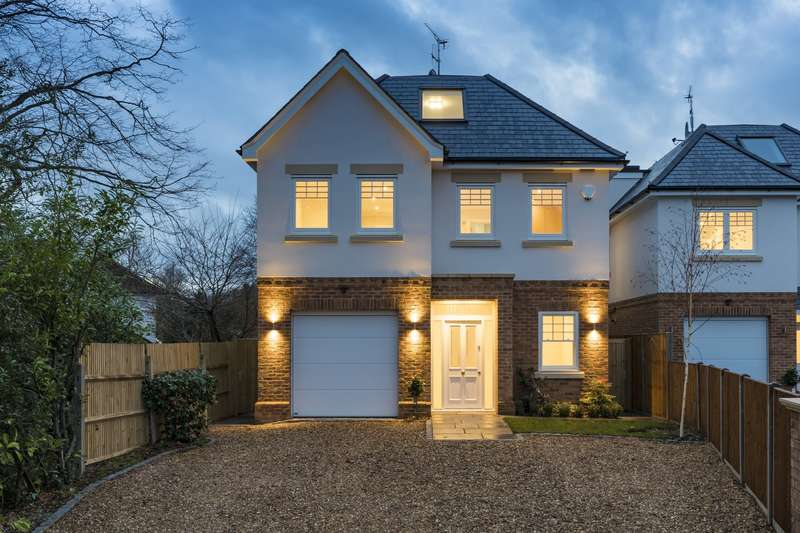 Detached house in  Oxdowne Close  Stoke D'abernon  Cobham  KT11  Richmond