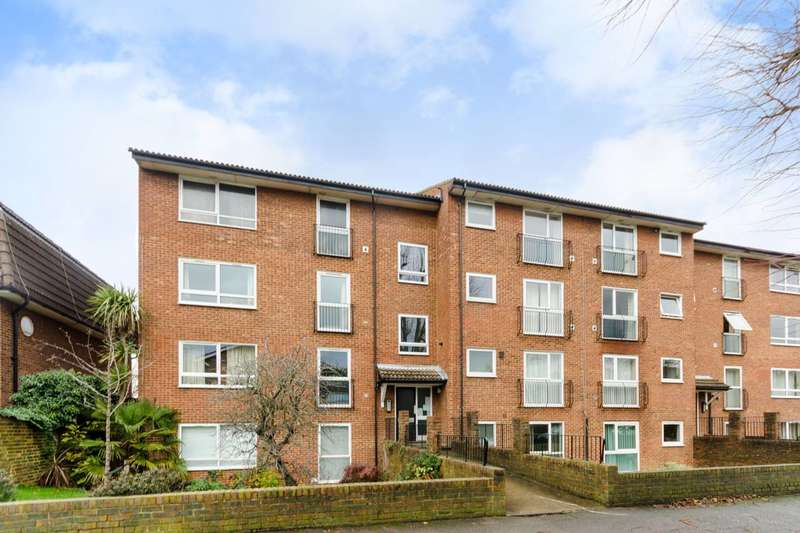 Flat in  Berrylands  Surbiton  KT5  Richmond