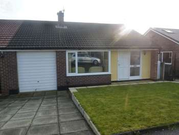 2 Bedrooms Semi Detached Bungalow for sale in Hope Fold Avenue, Manchester