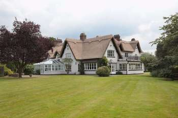 Property for sale in Wrenshot Lane, Knutsford