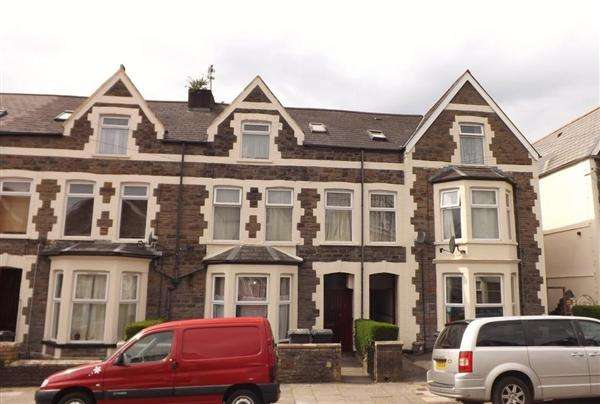 Terraced House for sale in Gordon Road, Cardiff