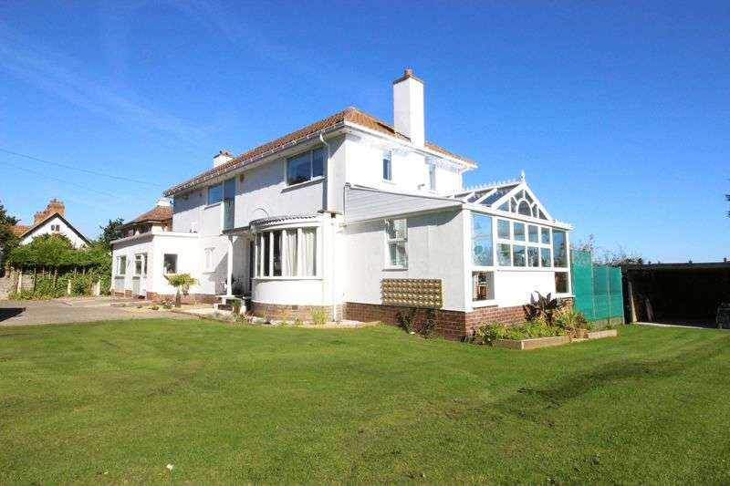 5 Bedrooms Detached House for sale in Filey Road, Scarborough YO11 3AA