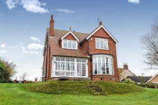 4 Bedrooms Detached House for sale in Drummond Road, Skegness, Lincolnshire
