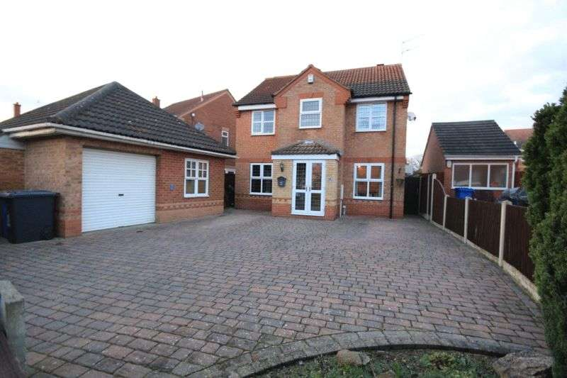 4 Bedrooms Detached House for sale in SMALLEY DRIVE, OAKWOOD