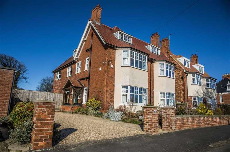 7 Bedrooms Property for sale in Eastgate, Hornsea, East Yorkshire