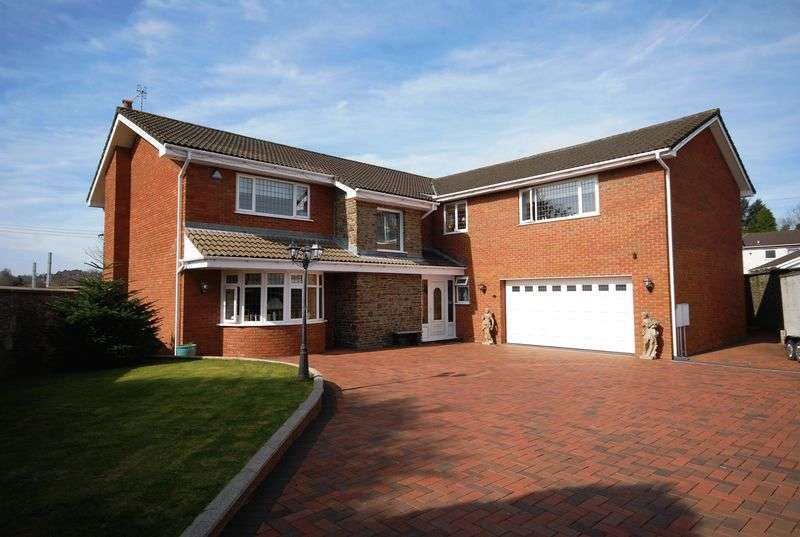 5 Bedrooms Detached House for sale in 28 Ffrwd Vale, Neath, SA10 7BA