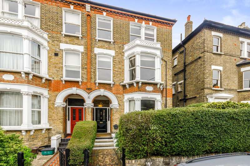 3 Bedrooms Maisonette Flat for sale in Chetwynd Road, Dartmouth Park, NW5