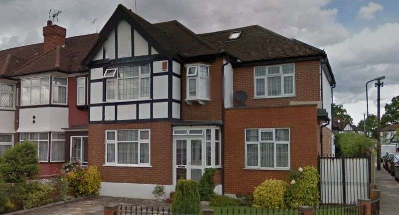 5 Bedrooms House for sale in Shelley Gardens, North Wembley, Middlesex, HA0 3QF