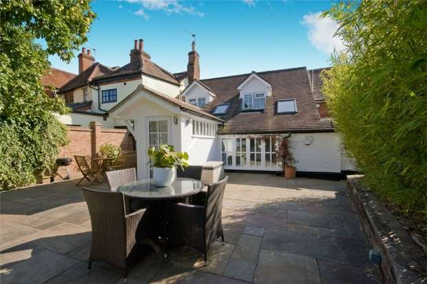 3 Bedrooms Terraced House for sale in Overton, Basingstoke, Hampshire